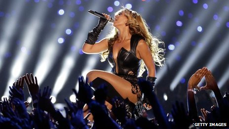 Beyonce closed the show with a rendition of Halo
