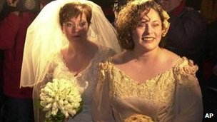 Helene Faasen, left, and Anne-Marie Thus, get married in Amsterdam