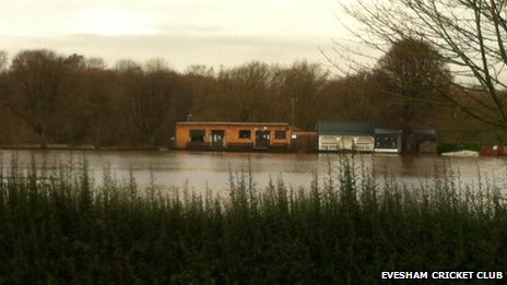 Evesham Cricket Club flooded November 2012