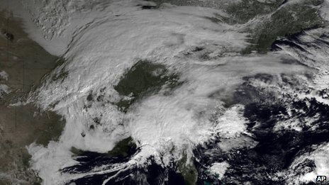 NOAA satellite image shows storm systems over the eastern half of the United States on 7 February 2013