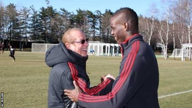 Mario Balotelli meets with Paolo Berlusconi