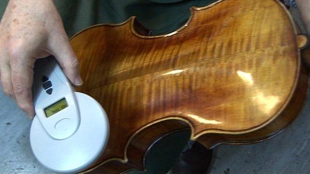 Tagging a viola
