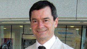 Dr Iain Maclellan