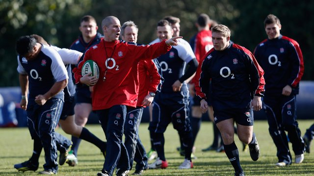 Stuart Lancaster coaching England at a training session