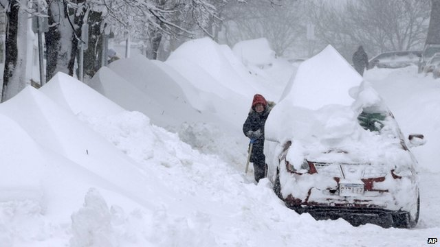 Snow-hit US states begin clear-up