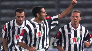 Nicola Amoruso converted a late penalty for Juventus