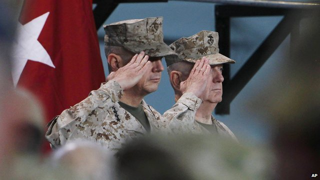 Gen John Allen, (l) and Gen Joseph Dunford (r)