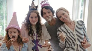 Iris Apatow, Maude Apatow, Paul Rudd and Leslie Mann