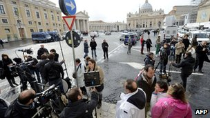 TV reporters at St Peter&#039;s Square