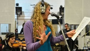Joss Stone performs A Taste Of Honey