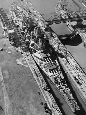 USS Missouri in the Panama Canal in 1945