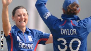 England's Arran Brindle and Sarah Taylor