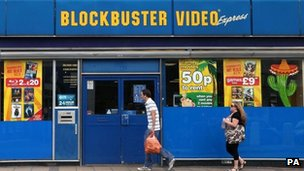 Blockbuster to close 164 more stores
