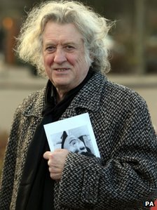 Slade frontman Noddy Holder at the funeral of Reg Presley