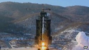 Rocket lifts off from Sohae launch site on 12 December 2012
