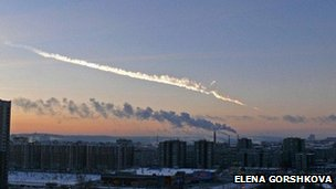 The meteor streaking through the sky over Yekaterinburg, 15 February