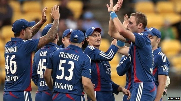 England players celebrate Twenty20 victory