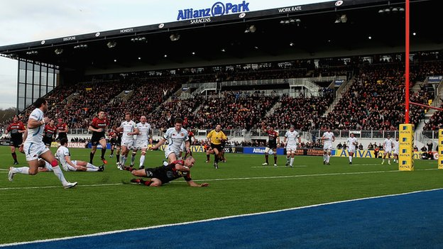 Charlie Hodgson scores the first-ever Premiership try at Allianz Park