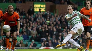Anthony Stokes scores for Celtic against Dundee United