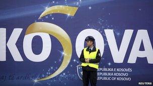 KO5AVA flag in Pristina on 17/5/13