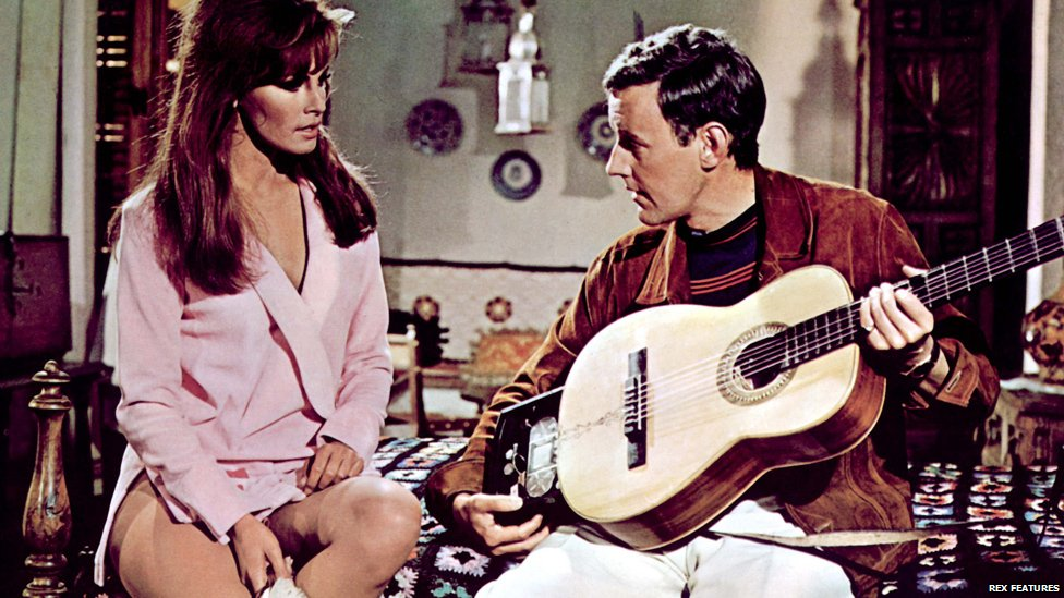 Richard Briers and Raquel Welch in Fathom