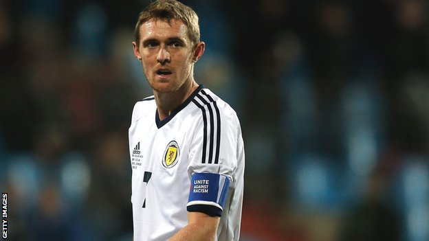 Manchester United &amp; Scotland midfielder Darren Fletcher