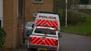 Police vans in Gallico Close