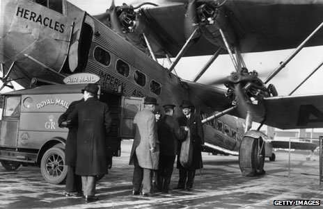 Croydon flight being loaded for Cape Town (1931)