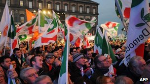 Bersani supporters attend a rally