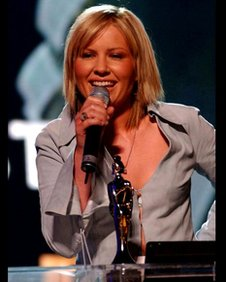Dido with her 2002 Brit Award