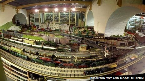 1930s 0 Gauge railway layout