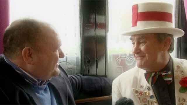 Rick O'Shea meets England mascot Peter Cross