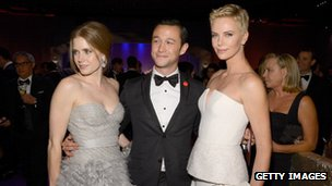 Joseph Gordon Levitt (centre) with Charlize Theron (right) and Amy Adams