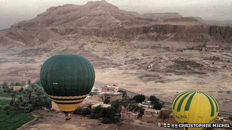 Hot air balloons in Luxor on 26/2/13