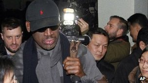 Dennis Rodman and journalists at Pyongyang airport (26 Feb 2013)