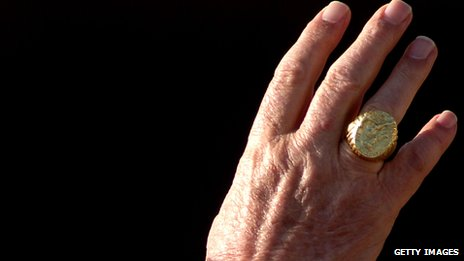 Papal ring hand