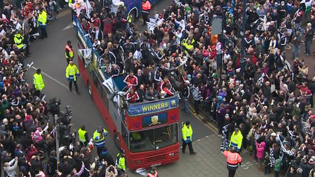 Swansea City&#039;s open-top bus parade