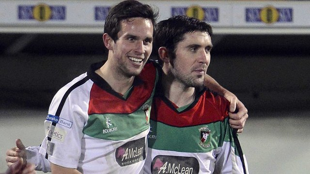 Glentoran goalscorers Andrew Waterworth and Stephen Carson