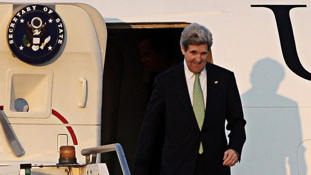 John Kerry arrives on the outskirts of Rome