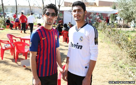 Kurdish fans of Barcelona and Real Madrid