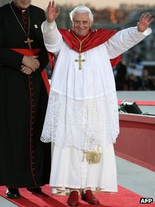 Pope Benedict XVI gestures to pilgrims at World Youth Day in Sydney, 17 July 2008