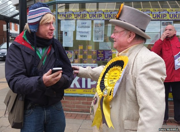 Conservative MP Michael Fabricant and the Monster Raving Loony party&#039;s Howling Laud Hope