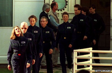 Crew of Biosphere 2 emerge after two years together