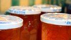 Marmalade in pots