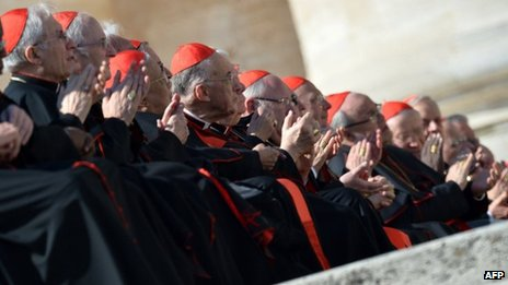 Cardinals applaud Benedict XVI. 27 Feb 2013