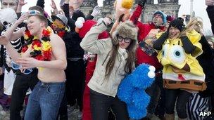 Flash mob perform the Harlem Shake in Berlin (file photo)