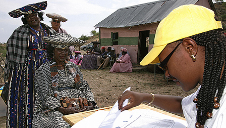 Voters in Namibia&#039;s 2004 presidential elections
