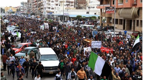 Funeral procession in Port Said (04/03/13)