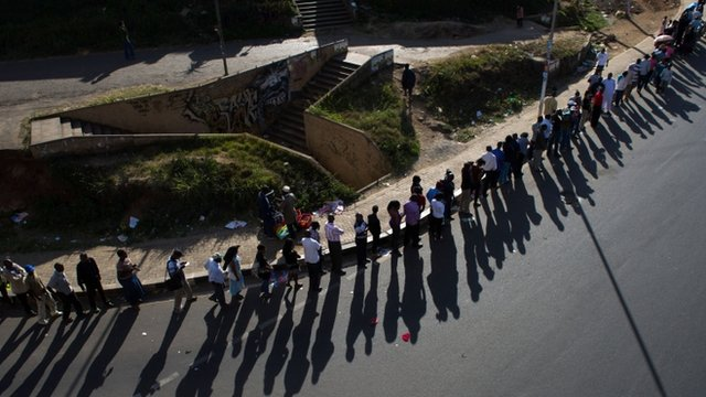 Queue in downtown Nairobi
