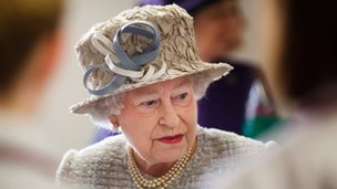 Unionists on the council want to mark the Queen's official birthday with red, white and blue lighting.